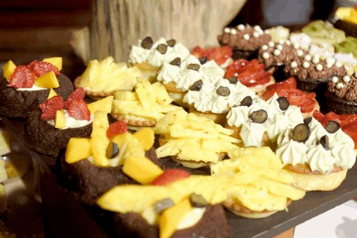 赤坂にある「しろたえ」はテレビでも紹介される老舗のケーキ店